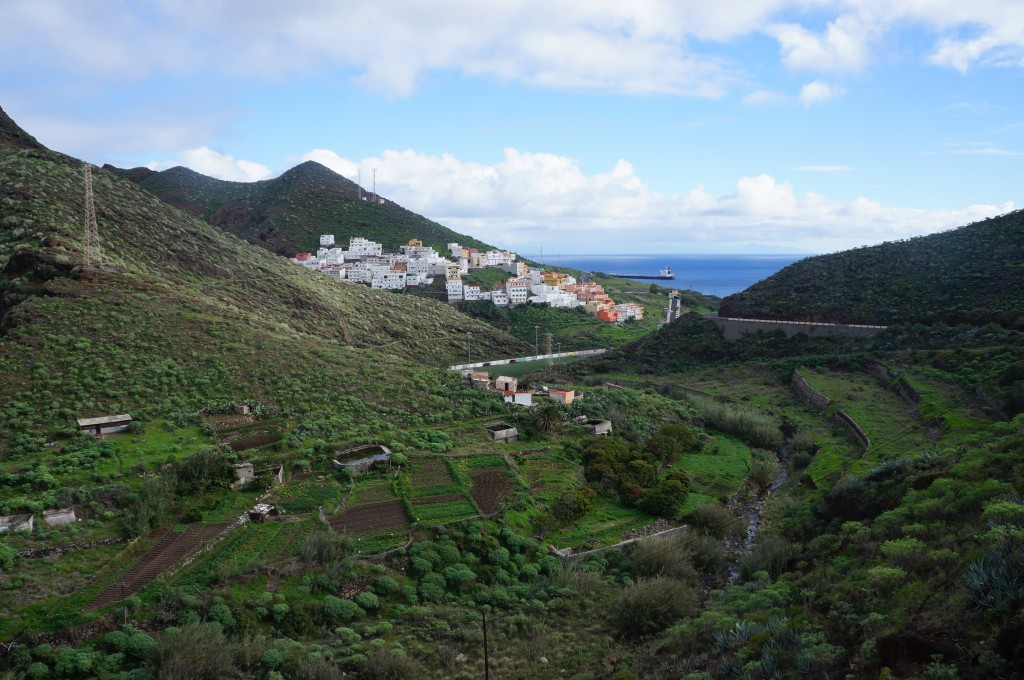 San Andres in sight - buildings constructed on the sides of the steep hills.