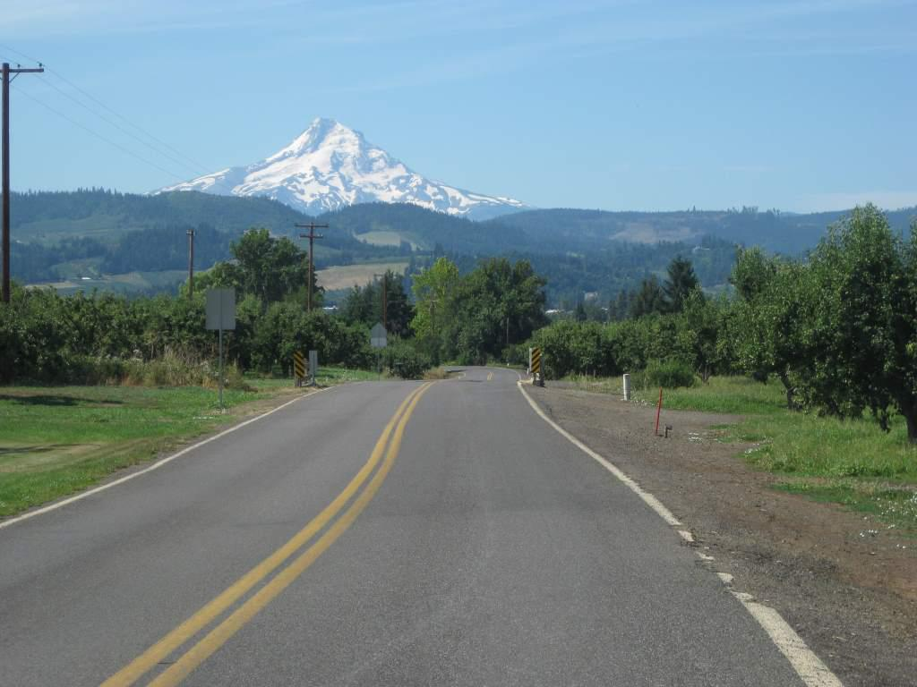 Riding towards Mt. Hood. I can't believe views of these majestic mountains are an everyday occurrence for people who live around here.