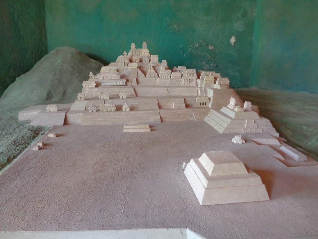 Model of the ruins at Toniná