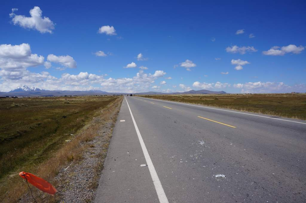 Back on flat roads in the altiplano