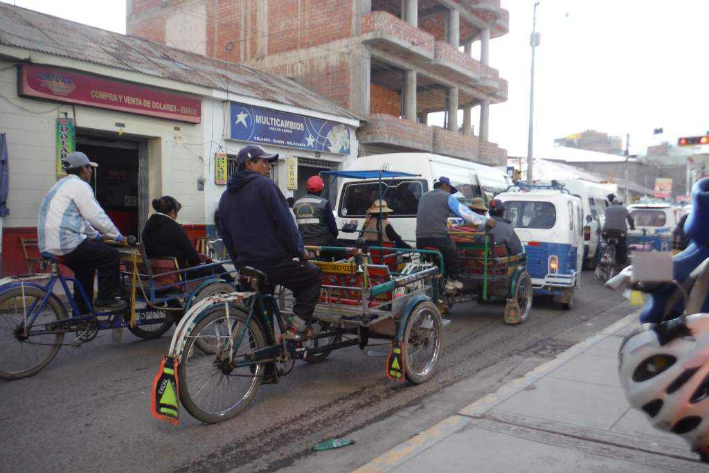 Cargo tricycle traffic in Juliaca